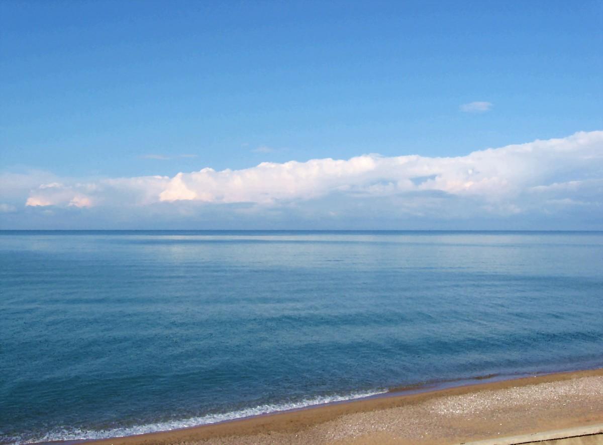 Песчаные пляжи Николаевки Крым